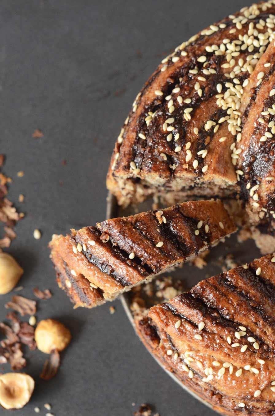עוגת שמרים טבעונית במילוי נוטלה ביתית