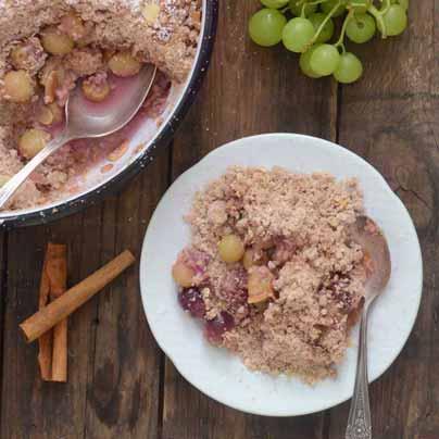 קראמבל ענבים וקינמון טבעוני