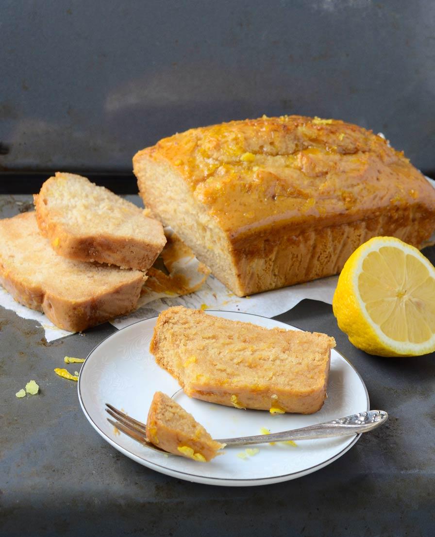 עוגת לימון בחושה טבעונית
