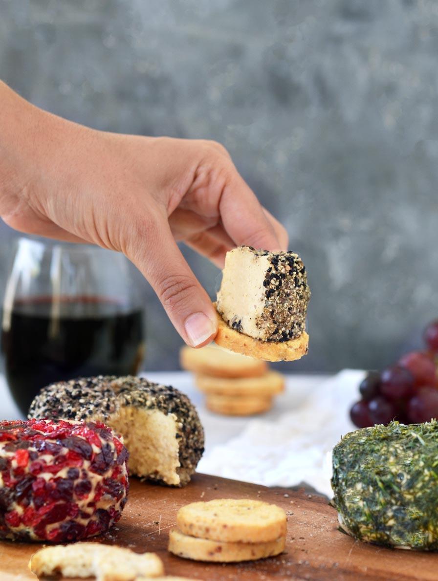 גבינת צ'דר טבעונית
