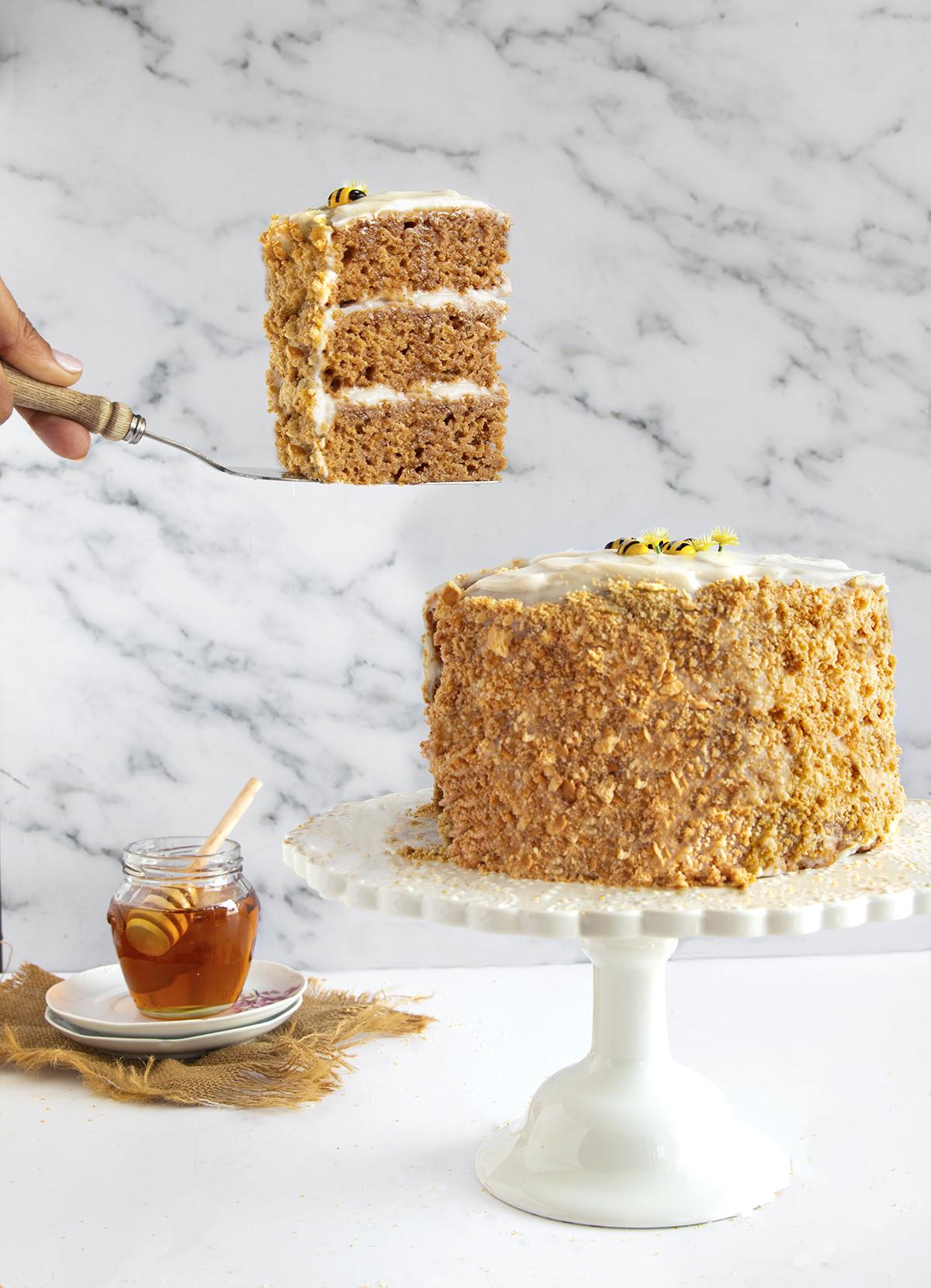 עוגת דבש טבעונית יפייפיה