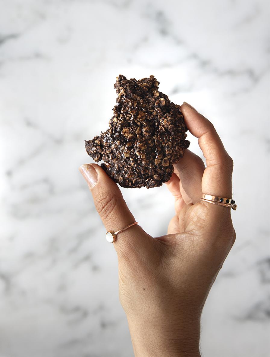 עוגיות שוקולד מחמישה מרכיבים